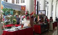 Việt Nam tham gia Hội chợ Giáng sinh tại Venezuela