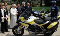 Điều kiện nhận xe mô tô từ nước ngoài gửi tặng