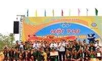 Đội chải xã Tuy Lộc, huyện Cẩm Khê giành giải Nhất Hội thi bơi chải Việt Trì mở rộng năm Mậu Tuất 2018
