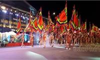 Rực rỡ sắc màu Lễ hội văn hóa dân gian đường phố