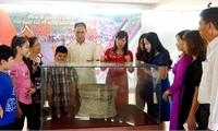 """Trên 180 tư liệu, hiện vật, hình ảnh về """"Lễ hội và tín ngưỡng vùng Đất Tổ"""", """"Lễ hội, tín ngưỡng Hùng Vương các tỉnh phía Nam và văn hóa các dân tộc An Giang"""" trưng bày tại Bảo tàng Hùng Vương"""