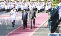 Thủ tướng Chính phủ Nguyễn Xuân Phúc hội đàm với Thủ tướng Cộng hòa Pháp