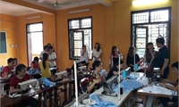 Bế giảng Lớp dạy nghề may cho học sinh khiếm thính tại Trung tâm Bảo trợ trẻ em mồ côi tàn tật thành phố Việt Trì