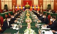 Tổng Bí thư Nguyễn Phú Trọng hội đàm với Tổng Bí thư, Chủ tịch nước Lào Thongloun Sisoulith